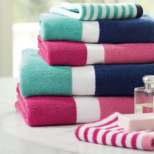 TOWELS & BATHROBES